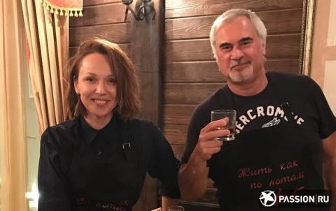 Валерий Меладзе и Альбина Джанабаева показали семейную идиллию