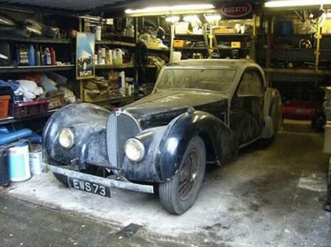 После смерти дяди они получили в наследство старый гараж. Внутри их ждала неожиданная находка…
