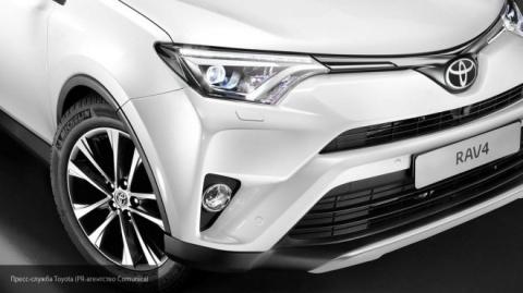 Продажи автомобилей Toyota в России в ноябре поднялись на 8%