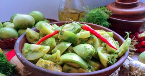 Салат из зеленых помидоров -…