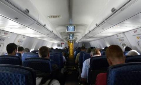 Падает самолет, а в нем евре…