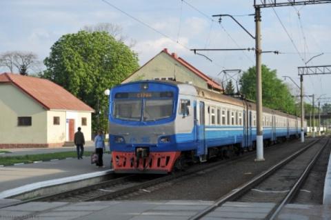 Поезда на Львов остановлены:…
