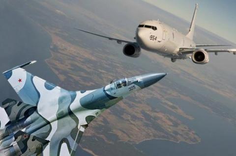 Су-27 пролетел в шести метрах от патрульного самолета США у Крыма