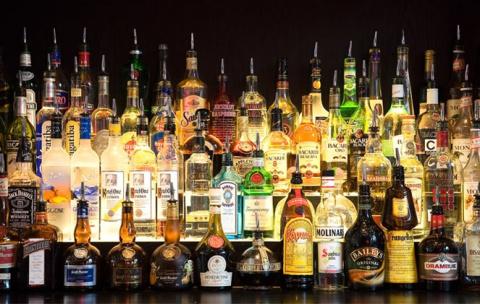 Продажи спиртного в России р…