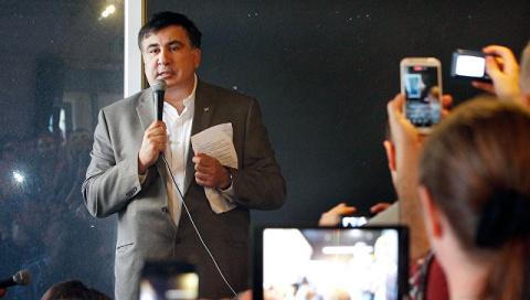 Саакашвили приехал в Вильнюс помитинговать у российского посольства