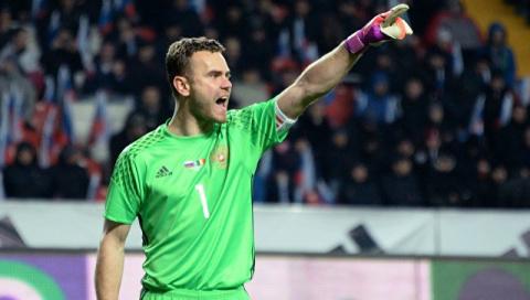 """Акинфеев провел первый с 2006 года """"сухой"""" матч в Лиге чемпионов"""
