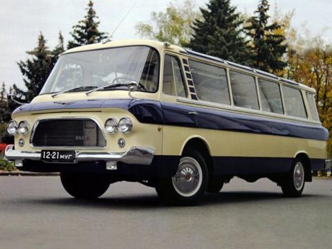 Сотрудники завода ЗИЛ (МСЦ6 АМОЗИЛ) восстанавливают легендарный микроавтобус ЗИЛ-118 «Юность»