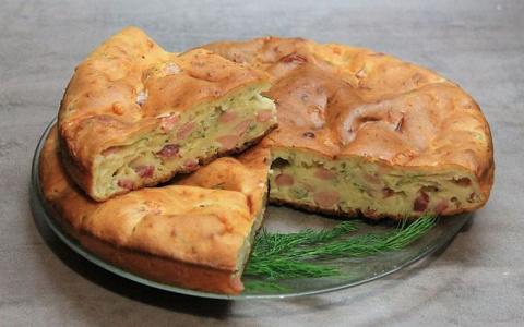 Сырный кекс с ветчиной и пряностями