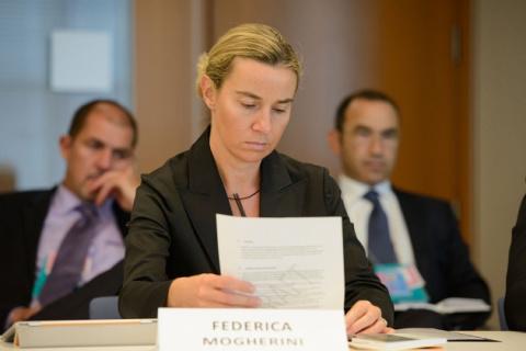 Могерини признала: США больше не лидер в мировой политике