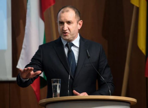 Президент Болгарии Радев вст…