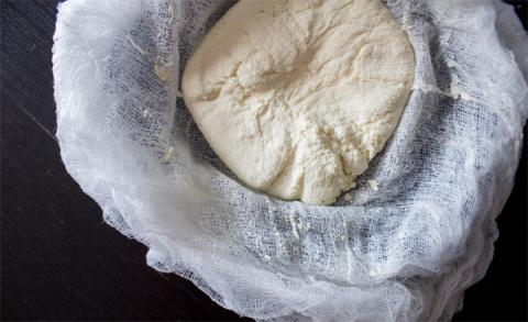Домашний сыр: 5 способов сде…