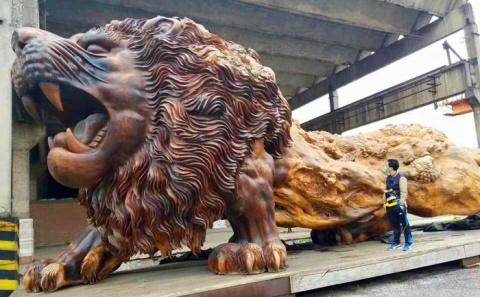 Самая большая скульптура из …
