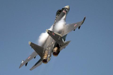 Су-35 показал кобру и чакру