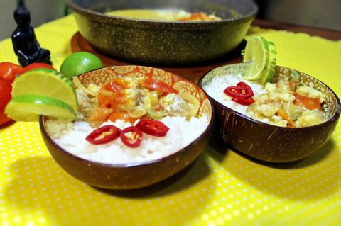 Рыбное карри. Белая рыба под кокосовым соусом карри.
