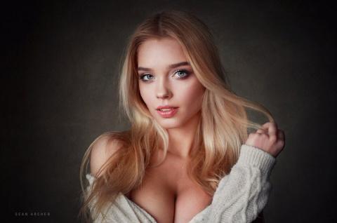 Горячие фото «Мисс Maxim - 2017» из Урала будоражат фантазию мужчин по всему миру