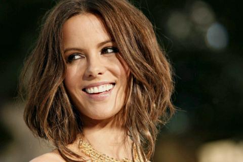 7 лучших стрижек для девушек с тонкими волосами