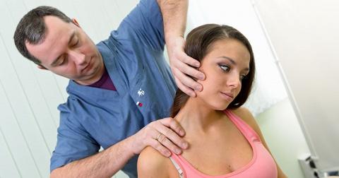 90% трудоспособного населения страдает от шейного остеохондроза…