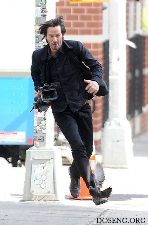 Киану Ривз украл камеру у на…