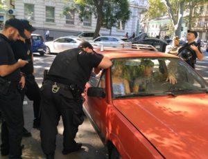 Украинские «патриоты» поймали в Одессе белорусов с георгиевской ленточкой