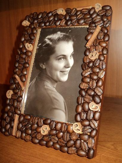 рамка для фотографий декорированная кофейными зернами