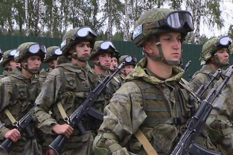 Россия вводит на Донбасс сво…