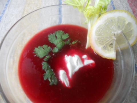 Холодный суп-пюре свекольный, с ароматами Абхазии