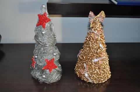 Декупаж шампанского и елка из макарон, картона и пакли. Первые работы