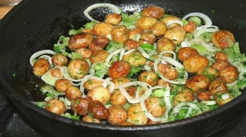 Этот самый лучший вариант приготовления молодого картофеля, из всех существующих.