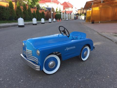 Автомобили на педальной тяге…