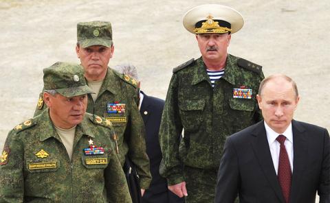 Путин призвал россиян готовиться к войне