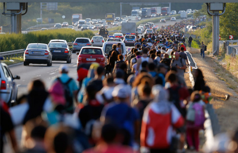 Беженцы ведут Европу к войне. Ася Зуан
