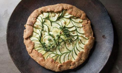 Сельский пирог с кабачками и сыром