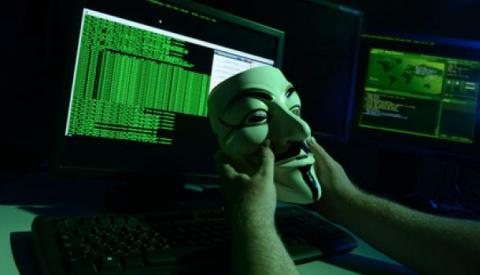 Хакеры Anonymus обрушили сай…