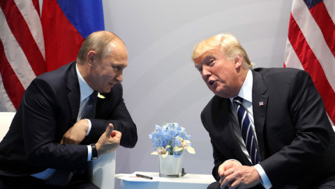 Половина американцев сомневается, что Трамп способен вести переговоры с Путиным