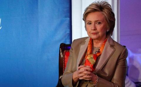 Клинтон созналась, как справ…