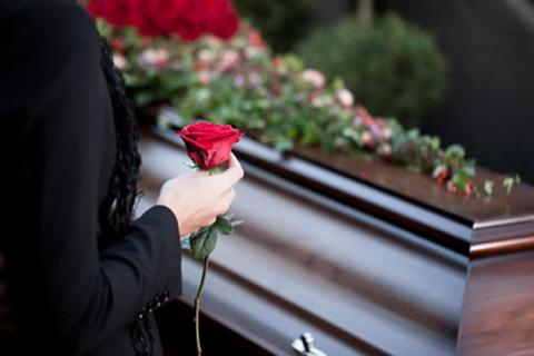 Чего нельзя делать на похоронах.
