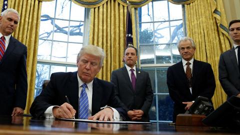 Трамп потратит $5 миллиардов на антироссийскую психотерапию :: Автор Руслан Осташко