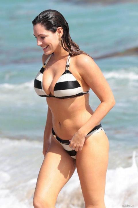 Ученые считают, что у этой девушки идеальное тело. А Вы согласны?