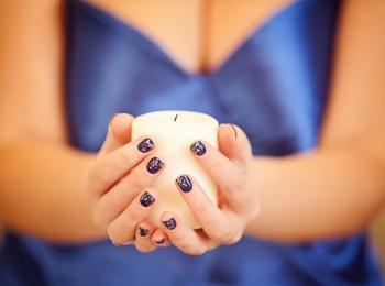 Тенденции маникюра под синее платье