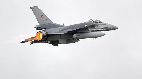 Дамаск пообещал сбивать турецкие истребители в небе над Сирией
