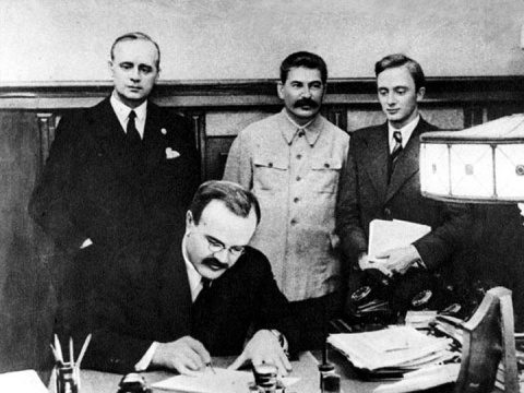 Пакт, имеющий планы глобалис…
