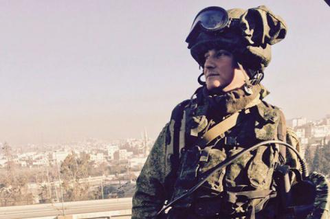 Русский рэп под бит войны. Наши солдаты срывают аплодисменты в Сирии...
