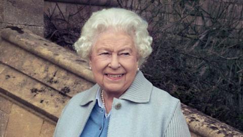 В семействе Елизаветы II — п…