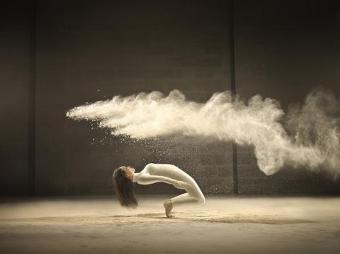 Танец и песок..:)