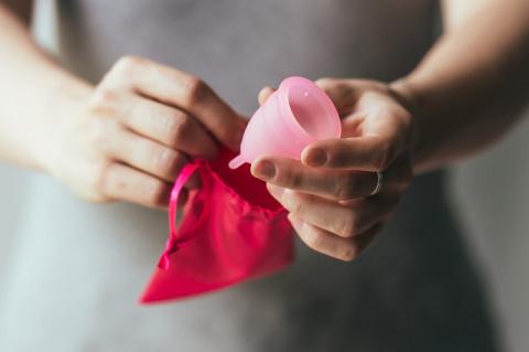 Менструальная чаша вместо од…