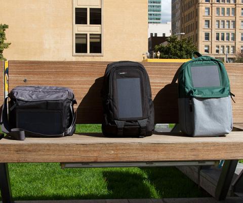 Чем рюкзак может помочь смартфону