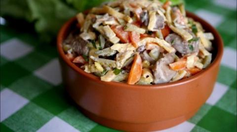 Невероятно вкусный салат с печенью