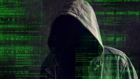 Министр обороны Британии пригрозил военным ударом по хакерам