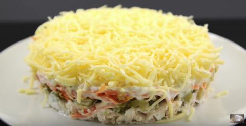 Куриный салат с чесночным соусом. Меню на Новый ГОД