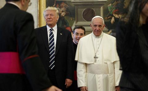 Самая странная встреча папы и президента в истории. Politico, США